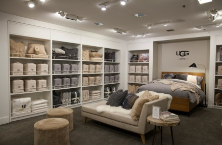Bloomingdales_UGG_Shop1