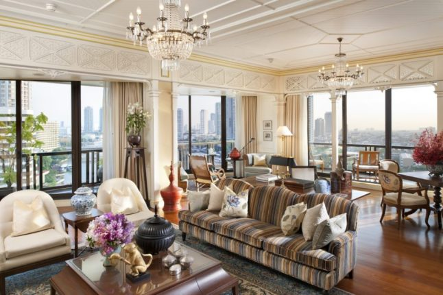 bangkok-oriental-suite-living-room