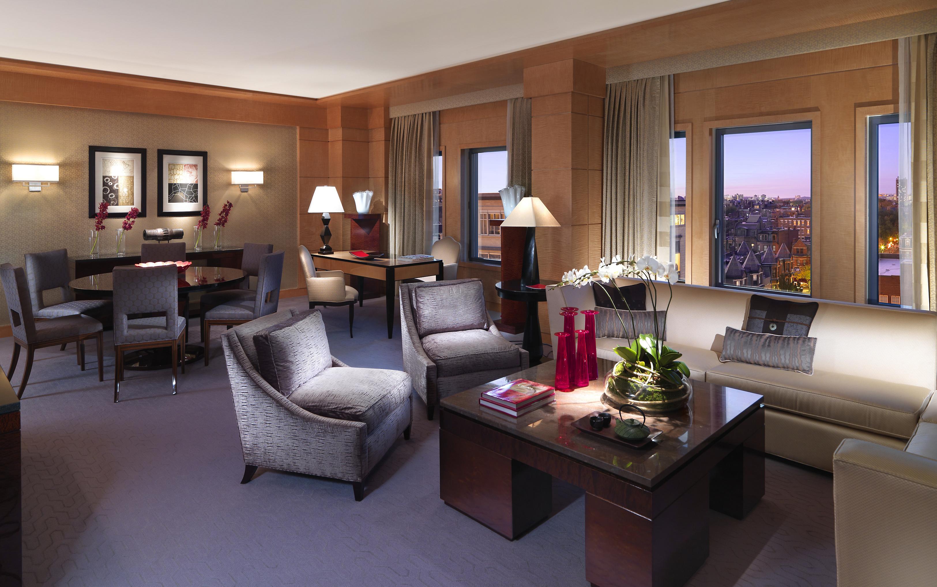 boston-suite-oriental-suite-living-room