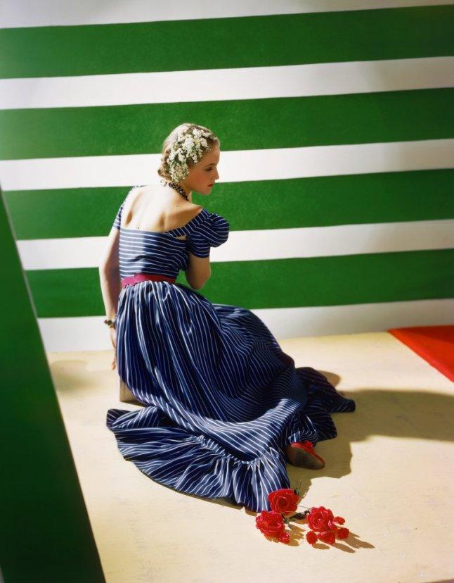 Dress by Hattie Carnegie, 1939 © Condé Nast/Horst Estate