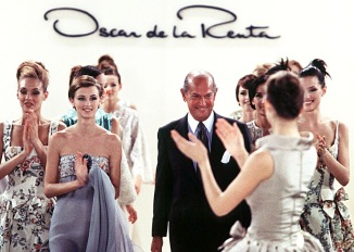 NEW YORK, USA - SEPTEMBER: Oscar de la Renta walks the runway with models at the end of his fashion show ready to wear Spring Summer 1996 in September, 1996 in New York, USA. (Photo by Victor VIRGILE/Gamma-Rapho via Getty Images)