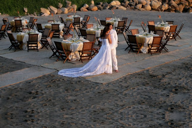 weddings-services-at-velas-resorts-mexico-top