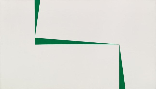 Carmen Herrera, Blanco y Verde, 1967.Acrylic on canvas, 40 × 70 in. (101.6 × 177.8 cm). Private Collection, New York. Art © Carmen Herrera