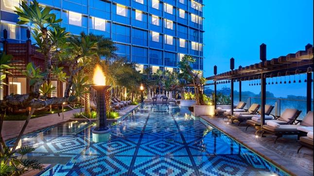 Four Seasons Hotel Jakarta Fifth Floor Outdoor Pool