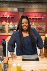 Contestant Loni Love as seen on Food Network's Worst Cooks in America: Celebrity Edition, Season 9.
