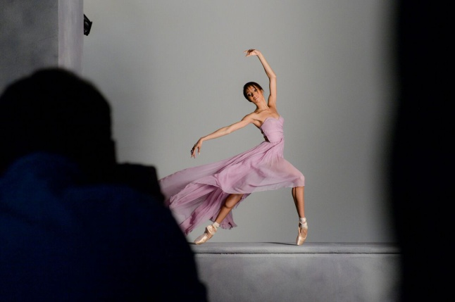 Courtney Lavine on the set of the shoot for Prima, a new scent from Avon (2)