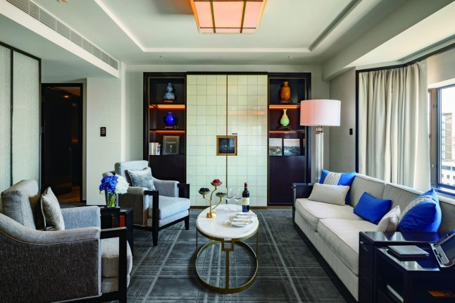 the-peninsula-beijing-beijing-suite-living-room-2