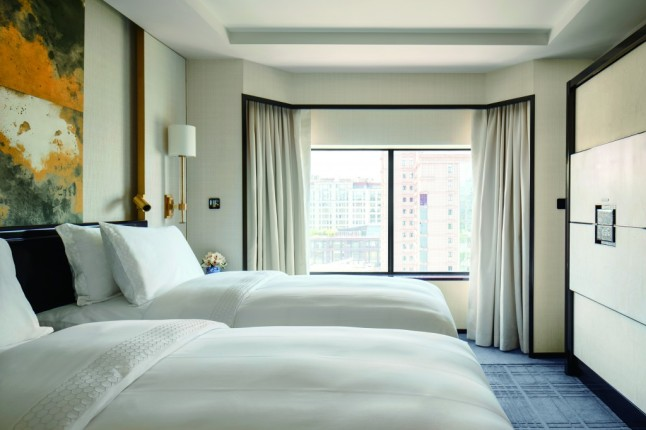 the-peninsula-beijng-deluxe-room-twin-bed