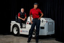 Delta Runway Reveal Below Wing Airport Customer Service vignette (PRNewsFoto/Delta Air Lines)