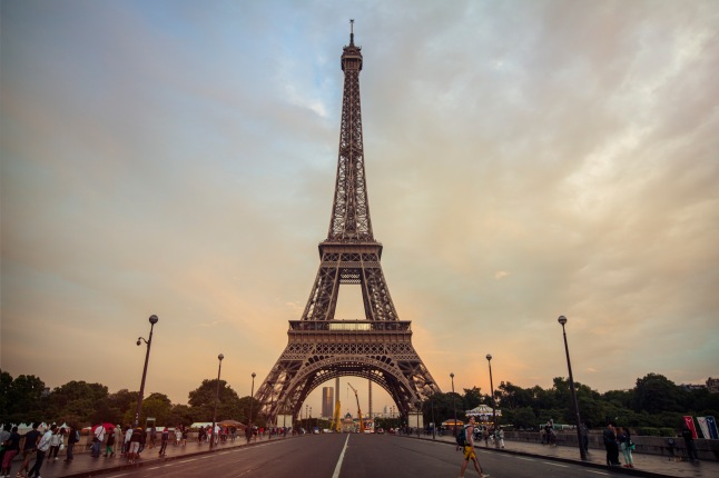france-paris-eiffel-tower-sunset-shereen-mroueh