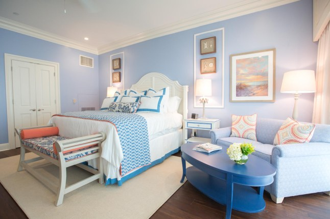 the-beach-club-at-charleston-harbor-resort-marina-garden-studio-suite-bedroom