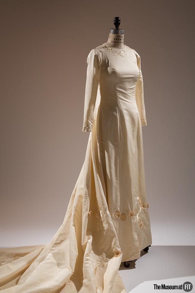 ann-lowe-wedding-dress-1968-usa-gift-of-judith-a-tabler-2009-70-2