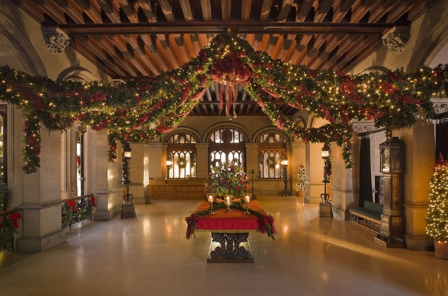 christmas-entry-hall__large