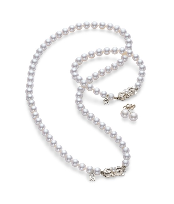 mikimoto-akoya-cultured-pearl-three-piece-set