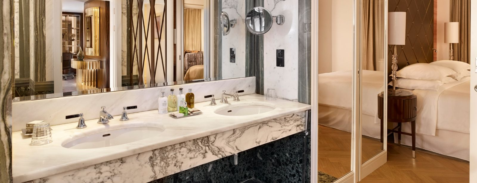 presidential-suite-bathroom-sheraton-grand-park-lane-hotel-london-piccadilly-mayfair