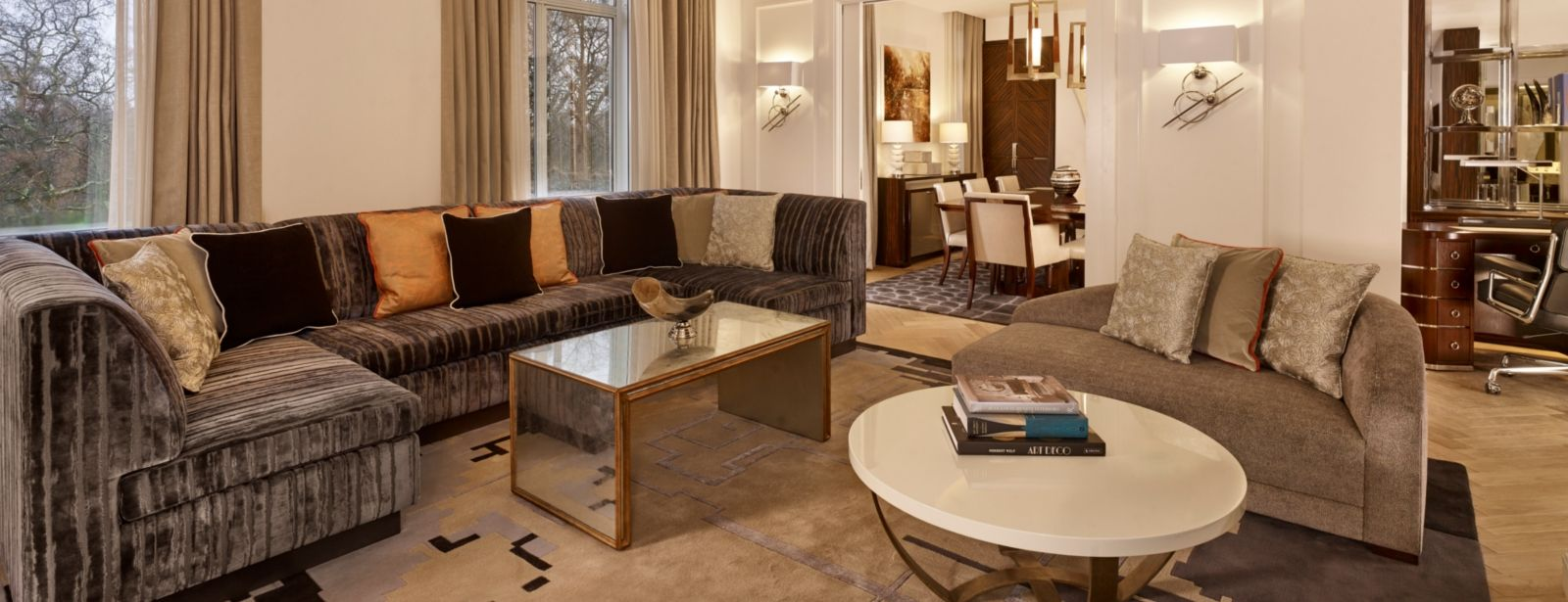 presidential-suite-living-room-sheraton-grand-park-lane-hotel-london-piccadilly-mayfair