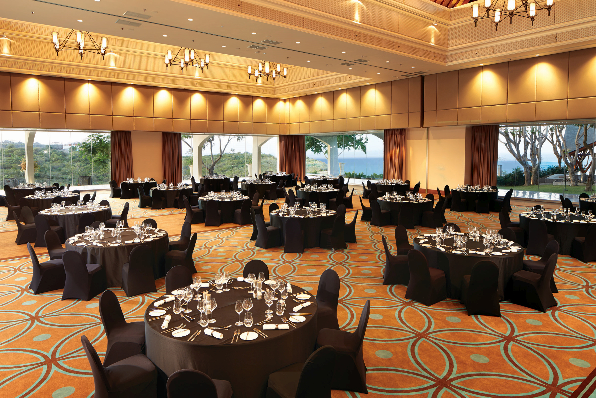 multi-funtion-banquet-room