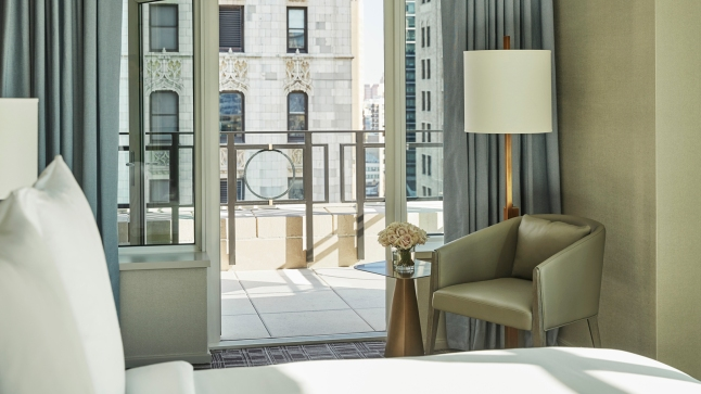 four-seasons-hotel-new-york-downtown-gotham-suite-terrace
