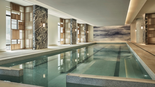 four-seasons-hotel-new-york-downtown-indoor-pool