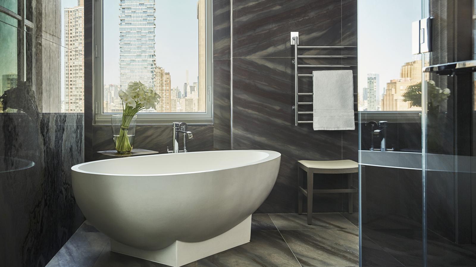 royal-suite-master-bath