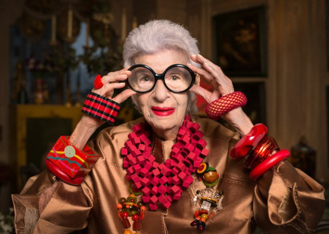 grand-dame-of-fashion-iris-apfel-to-set-sail-on-cunards-2017-transatlantic-fashion-week