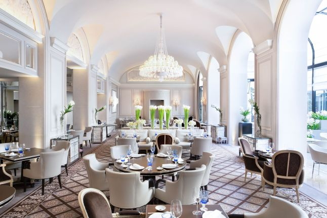 le-george-by-simone-zanoni-at-four-seasons-hotel-george-v-paris-1-michelin-star