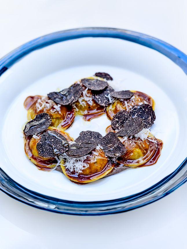 tortelli-de-braise-de-veau-puree-de-chataigne-et-truffe-noire-de-norcia-le-george