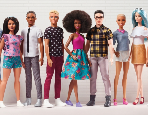 2017 Ken® Fashionistas® Dolls (Panoramic) 1