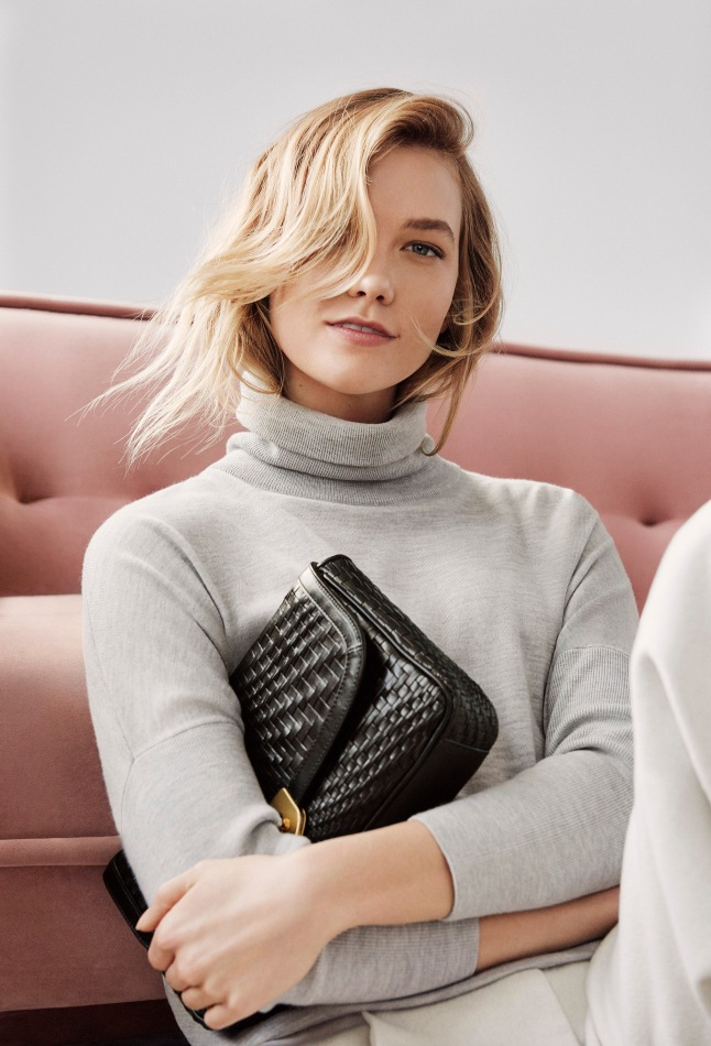 Cole Haan_Fall 2017 Extraordinary Women, Extraordinary Stories Campaign_Karlie Kloss_Loralie Weave Clutch in Black