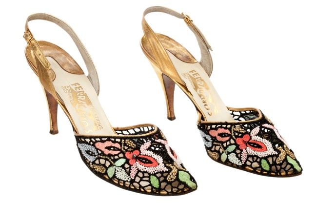 10 Madonna Sandals - 1954-55 - no 57