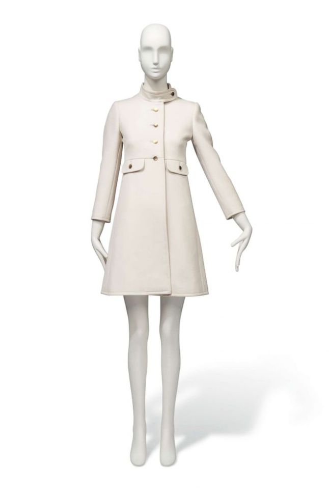 audrey-hepburn-auction-02-ht-jc-180418_hpEmbed_2x3_992[1]