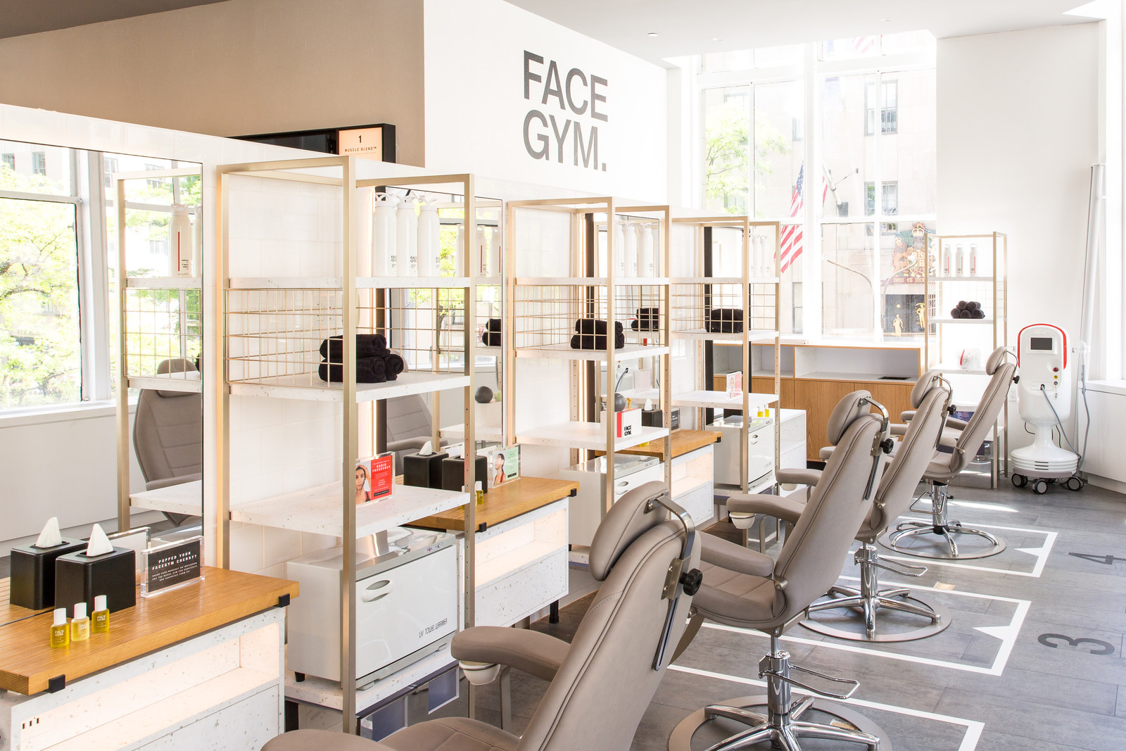 Saks Fifth Avenue FaceGym