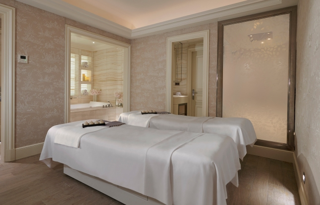 The peaceful double treatment room