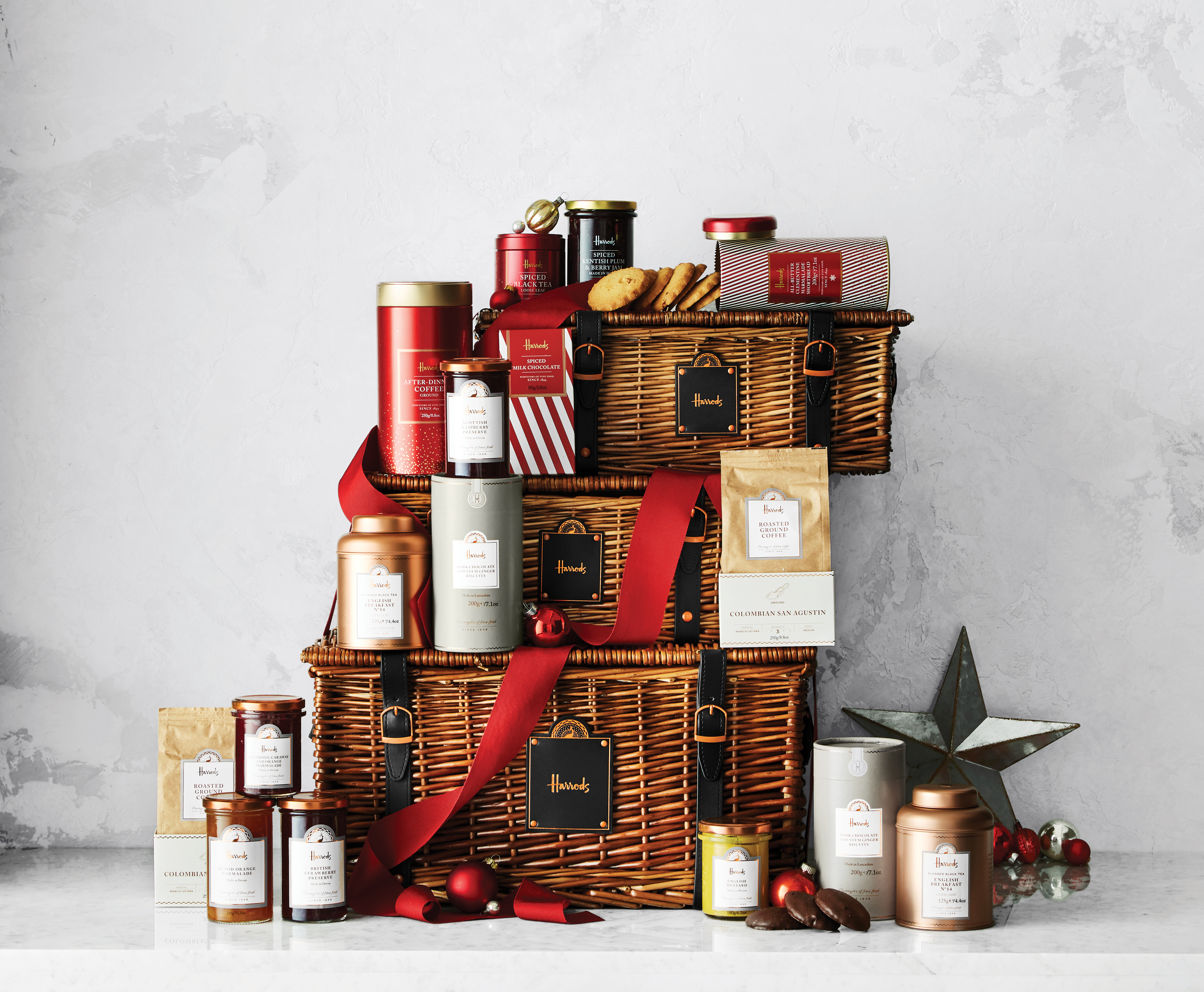 Harrods Signature Hampers Now Available in the U.S. on www.WilliamsSonoma.com-Harrods (Courtesy of Williams Sonoma)