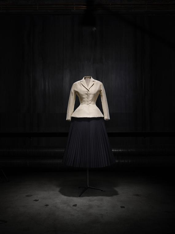 Image 4 - Christian Dior, Bar suit
